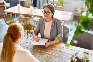 How to Write a Professional Interview Essay: Tips and Rules