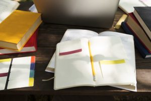 how to structure a thesis paper